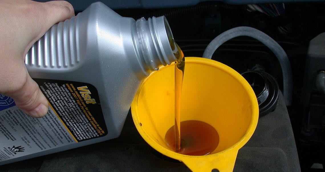 Meilleure huile moteur : guide achat auto comparatif avis recommandations
